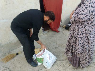 توزیع سی بسته معیشتی بین نیازمندان توسط مرکز افق و هیأت امنا بقعه متبرکه امامزاده مختار علیه السلام
